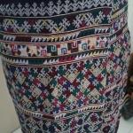 กางเกงผ้าปักอิวเมี่ยน ของเก่าดั้งเดิมลายปักโบราณ โทนสีขาวแซมเขียวเหลือง