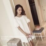 เดรส/เสื้อตัวยาวแฟชั่นเกาหลี ตัวเรสทรงปล่อย แต่งชายแขนเสื้อเป็นแบบระบาย3ชั้น สีขาว