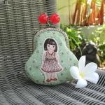 กระเป๋าปิ้กแป้กขนาด 7 cm ผ้าญี่ปุ่น ลายเด็กผู้หญิงควิลล์มือ สำหรับใส่เหรียญ ของจุกจิก (สินค้าฝากขาย ไม่บวกเพิ่ม ) สำเนา