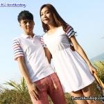เสื้อคู่รัก ชายเสื้อยืดคอปกสีขาว + หญิงเดรสจั้มเอว คอกลม สีขาว แต่งแขนสีรุ้ง +พร้อมส่ง+