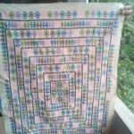 ผ้าปักผืนสีเหลี่ยมผืนผ้า ปักลายโบราญทั้งผืน สีขาวครีม เก่า