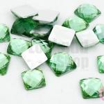 เพชรแต่ง สี่เหลี่ยม สีเขียว ไม่มีรู 12มิล(10ชิ้น)