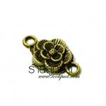 จี้ทองเหลืองรูปดอกไม้มีห่วงสองข้าง ขนาด 12 มิล ยาว 20 มิล ราคา 10 บาท