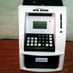 ตู้ ATM ออมสิน ขาวดำ (ซื้อ 3 ชิ้น ราคาส่ง 500 บาท ต่อชิ้น)