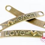 จี้ทองเหลือง Love หัวใจติดปีก 37x6 มิล