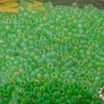 ลูกปัด MATSUNO สีเขียวอ่อนใสเหลือบรุ้ง 2มิล(100กรัม)