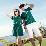 ชุดคู่รัก เสื้อคู่รักเกาหลี เสื้อผ้าแฟชั่น ผู้ชายเสื้อยืดสีเขียว + หญิงเดรสจัมสูท สีน้ำเขียว +พร้อมส่ง+