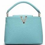 กระเป๋าเกาหลีพร้อมส่ง รหัส SUC0023BL สีฟ้า แต่งรูปตัววีหน้ากระเป๋า สวยค่ะ