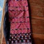 กางเกงลายปักมือ สีโทนแดง ปักละเอียด ผืนเก่า หายาก