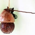 โคมไฟกะลามะพร้าว Coconut shell wall hanging