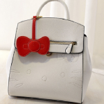 กระเป๋าแฟชั่น Berry Bag พร้อมส่ง รหัส SUB8822WH สีขาว มีโบว์ห้อยหน้ากระเป๋า น่ารักสุดๆ