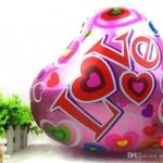ลูกโป่งฟลอย์รูปหัวใจสีชมพู พิมพ์ลาย LOVE ไซส์ 18 นิ้ว - Love Pink Heart Shape Foil Balloon / Item No. TL-E012