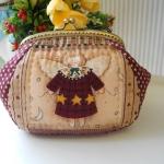 กระเป๋าปิ้กแป๊ก ใส่ของจุกจิก ขนาดปากกระเป๋ากว้าง 12 cm ตัวกระเป๋า กว้าง 18 สูง 11 ซม
