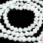 คริสตัลจีน ทรงไบโคน สีขาวขุ่น 4มิล(1เส้น)