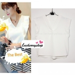 เสื้อแฟชั่นผ้าฮานาโกะ เสื้อทำงาน สีขาว คอวี แต่งระบายแขน สวยหวาน เรียบร้อย สินค้าคุณภาพ ราคาไม่แพง