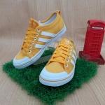 รองเท้าผ้าใบผู้หญิง adidas M20788 สีเหลือง