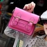 กระเป๋าแฟชั่นสไตส์เกาหลี รุ่นกระเป๋าถือสะพายข้าง ดีไซต์เก๋ แต้งด้วยรัดเข้มขัดทั้งสองข้าง สีชมพู พร้อมส่งค่ะ
