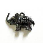 จี้รูปช้างสีรมดำ ตัวละ 15 บาท ขนาดความกว้าง 24 มิล ยาว 34 มิล