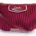 กระเป๋าสตางค์ COACH รุ่น GATHERED SATIN MEDIUM WRISTLET F48163 : RED