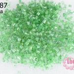 ลูกปัดจีน ปล้องสั้น สีเขียวอ่อนเหลือบรุ้ง 2X2มิล (5กรัม)