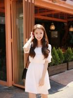 เดรสแฟชั่นเกาหลีสไตล์สวยหวาน แต่งชายแขนเสื้อและช่วงอกแบบบุลาย ระบายตาามรูป สีขาว
