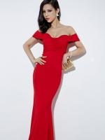 ชุดเดรสสีแดงยาว