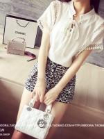 เสื้อแฟชั่นเกาหลี คอจีน บุลายแบบมองทะลุช่วงไหล่และชายแขน สีขาว