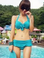 พร้อมส่ง ชุดว่ายน้ำทูพีชสีฟ้า บราแต่งโบว์ที่อก สายคล้องคอ กางเกงกระโปรงแต่งปลายระบายน่ารักๆ