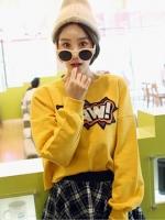 เสื้อกันหนาวแขนยาวสีเหลือง