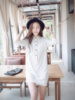 เดรส/เสื้อตัวยาวแฟชั่นเกาหลี ลายทาง ตัวเสื้อทรงเชิตเก๋ ๆ สีขาว