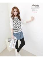 เสื้อแฟชั่นเกาหลี แขนยาว ตัดแต่งลูกไม่ลายใหญ่ช่วงแขน ช่วงตัวเสื้อลายขวางขาวดำ