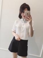 เสื้อแฟชั่นเกาหลี คอจีน ผูกโบว์ เนื้อผ้ามีลายในตัว สีขาว