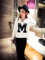 เสื้อแฟชั่นเกาหลี แขนยาว พิมพ์ตัวอักษร M ด้านหน้า ตัวเสื้อทรงเก๋