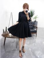 เดรสแฟชั่นเกาหลี ช่วงบนตัวเสื้อตัดแต่งทรงเชิต เข้ารูป กระโปรงทรงปล่อย สีดำ