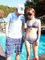 PRE ชุดว่ายน้ำคู่รัก ชุดว่ายน้ำบิกินี่ ลายโบฮีเมียนสีกรมท่า สายคล้องคอ พร้อมชุดคลุมลายสวย