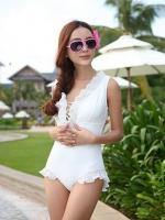 PRE ชุดว่ายน้ำสไตล์เจ้าสาว วันพีซ มีเชือกผูกไขว้ด้านหน้าและหลังสวยเก๋ แต่งระบายที่คอและขอบขากางเกงสวย