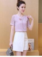เสื้อแฟชั่นเกาหลี คอกลม แต่งบุแขนตามรูป สีชมพูสวยหวานสุภาพ
