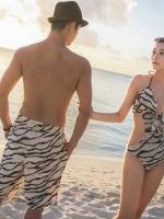 พร้อมส่ง ชุดว่ายน้ำคู่รัก ชุดว่ายน้ำวันพีซ Monokini ลายขาวดำ อกลึก เว้าหลังลึก สวยเซ็กซี่