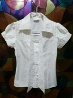 มือสอง เสื้อเชิ๊ตสีขาว Chong Chai ผูกโบว์ที่คอ