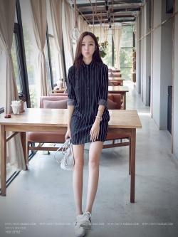 เดรส/เสื้อตัวยาวแฟชั่นเกาหลี ลายทาง ตัวเสื้อทรงเชิตเก๋ ๆ สีดำ