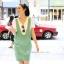 ชุดเอี๊ยมคลุมท้องผ้าคอตตอนลายขวาง มีเสื้อยืดคอวี : สีเขียว รหัส BM034 thumbnail 2