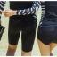 พร้อมส่ง (เฉพาะหญิง) ชุดว่ายน้ำแขนยาว สีดำ ด้านข้างแต่งลายเส้นสลับสีขาวดำ กางเกงขาสั้นสีดำ thumbnail 3