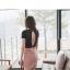 พร้อมส่ง เดรสสั้นผ้าคอตต้อนสีชมพู คอวี ตัดต่อส่วนของเสื้อคลุมเป็นผ้าลูกไม้ แต่งเข็มขัดด้านหน้า ผ่ากลางหลังสวยมากๆ thumbnail 4