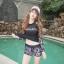 ชุดว่ายน้ำแขนยาว โทนสีดำ อกสกรีนอักษรน้ำตาลส้ม กางเกงลายสวย thumbnail 2