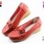 รองเท้าแฟชั่นหุ้มส้น CSB ซีเอสบี รุ่น FZ92-573 สีเแดง เบอร์ 36, 40 thumbnail 1