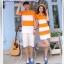 เสื้อคู่รัก ชายเสื้อยืดคอวี + หญิงเดรสคอกลม ลายส้มขาว แต่งลายดาวสีดำ +พร้อมส่ง+ thumbnail 3