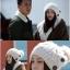 หมวกไหมพรมแฟชั่นเกาหลีพร้อมส่ง ทรงดีไซต์เก๋ หมวกสีครีม ติดกระดุมด้านข้าง มีจุก thumbnail 2