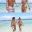 พร้อมส่ง ชุดว่ายน้ำคู่รัก ชุดว่ายน้ำบิกินี่ทูพีซ อกบิดเกลียวสายคล้องคอ สไตล์โบฮีเมียนโทนสีแดง-กรมท่าสวย thumbnail 4