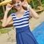 พร้อมส่ง ชุดว่ายน้ำวันพีซทรงแซก แขนกุด สีน้ำเงินกรมท่าสลับขาว แต่งโบว์ด้านหน้าสวย thumbnail 7