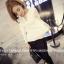 เสื้อแฟชั่นเกาหลี แขนยาว ตกแต่งคอเสื้อเก๋ ๆ ตามรูป ทรงเข้ารูป สีขาวสุภาพ thumbnail 2